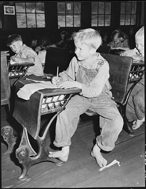 Elementary school (United States) - A boy in an elementary school in Kentucky, 1946
