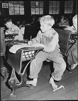 Elementary school (United States) - A boy in an elementary school in Kentucky, 1946