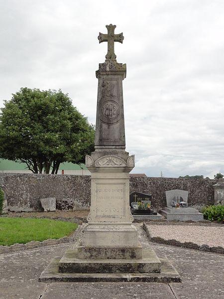 Coincourt (M-et-M) croix de cimetière