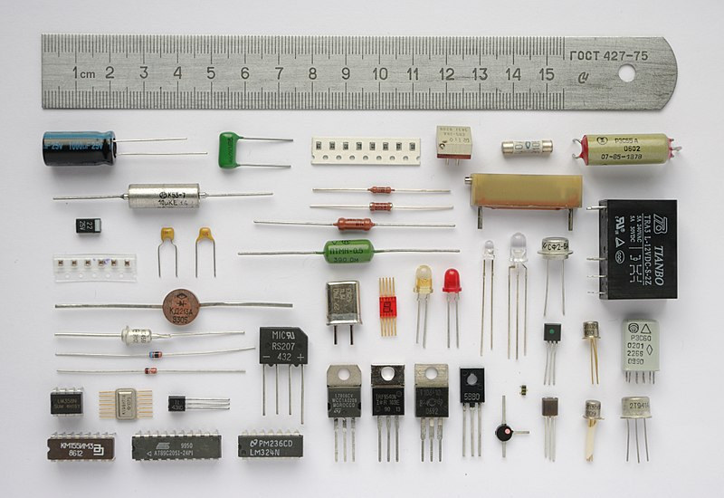 Various electronic components. Componentes.JPG