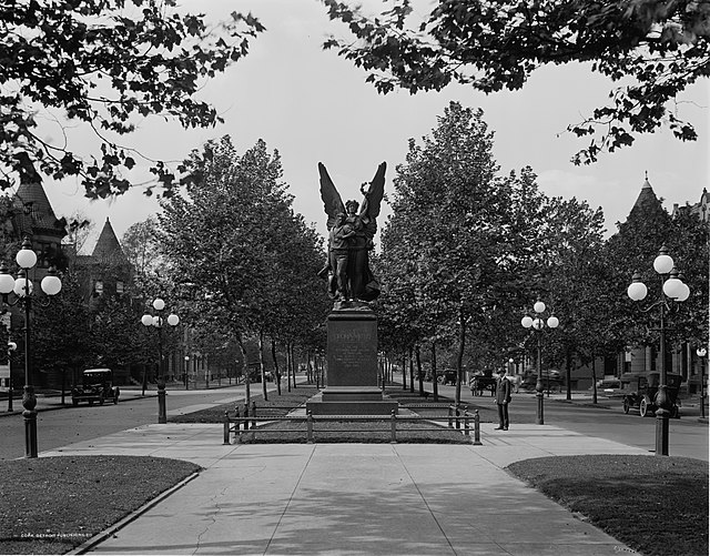 From commons.wikimedia.org: Confederate Soldiers and Sailors Monument Baltimore 1910 {MID-152823}