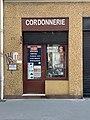 Cordonnerie au 83 Rue Léon Jouhaux (Lyon).jpg
