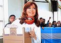 Cristina Kirchner votando en las Generales de 2015 01.jpg