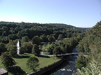 Croton Gorge Park - Park with fountain as seen from the dam