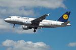 D-AILY A319 Lufthansa (16416421570).jpg