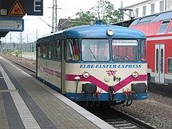 Deutsch: DRE-Schienenbus 798-01 am 27. Juni 2008 in Lutherstadt WittenbergEnglish: DRE railcar 798-01 in Lutherstadt Wittenberg