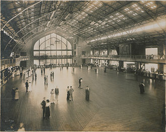 Boblo Island Amusement Park - The dance hall in its heyday, 1914