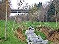 Das Wasser des Eisengriffbaches setzt sich aus gereinigtem Abwasser und gelegentlichem Niederschlagswasser zusammen. - panoramio (2).jpg