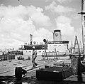 De haven van de olieraffinaderij van de CPIM op de Isla op Curaçao, Bestanddeelnr 252-7743.jpg