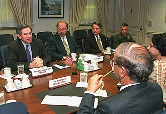 Abdul Sattar (diplomat) - Abdul Sattar (left foreground) discussing with Deputy Secretary of Defense Paul Wolfowitz, 2001.