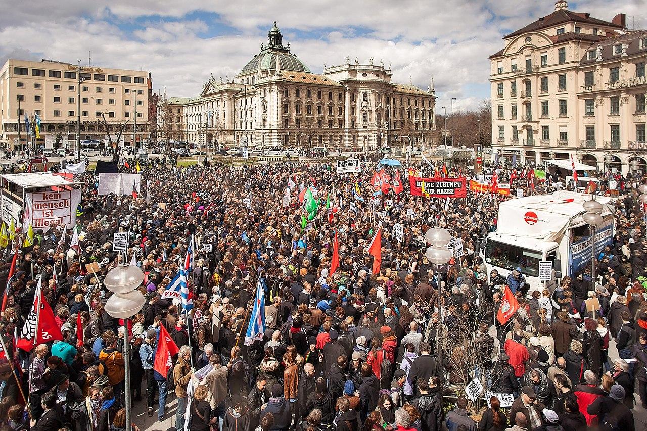 Demonstration NSU-Prozess München (2013-04-13)-01.jpg