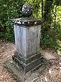 Denkmal für Fürst Friedrich III. von Salm-Kyrburg im Fürstlichen Park Inzigkofen.jpg