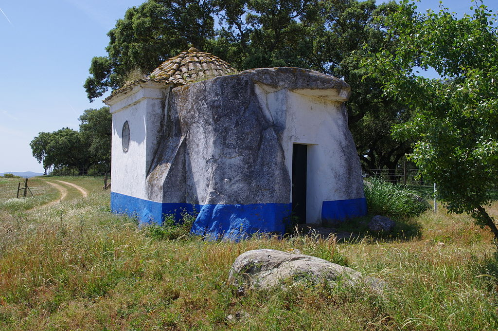 Dolmen-Chapel of Sao Brissos - Apr 2011