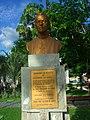 Dom José Tupinambá da Frota (busto na praça) 1.JPG
