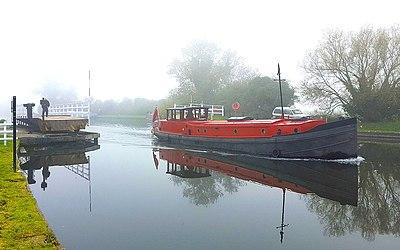 Wooden Mallard model canal narrowboat barge