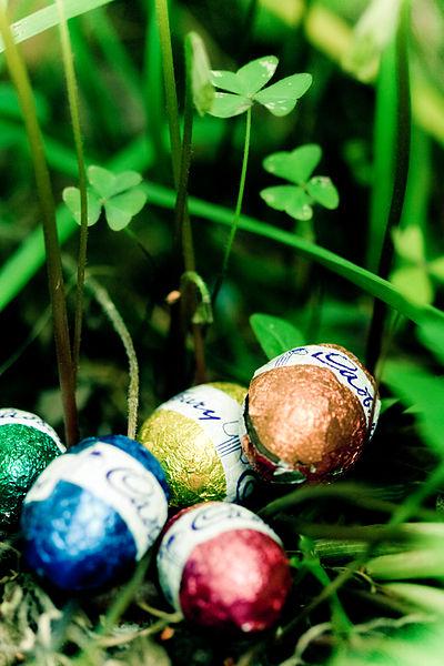 File:Easter Egg Hunt (5623253840).jpg