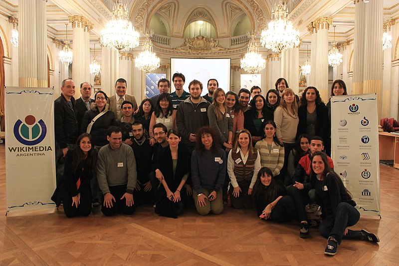Imágenes del Primer Editatón Legislativo, la segunda maratón de edición organizada por Wikimedia Argentina y la Legislatura de la Ciudad de Buenos Aires.