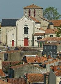Eglise Trinité Clisson.jpg