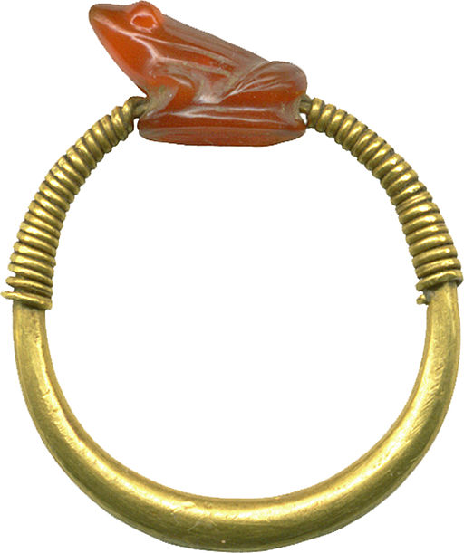 Egyptian - Finger Ring with Frog - Walters 571536 - Left