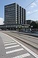 Entinen Kansa-yhtiöiden toimitalo Hämeentie 33, raitiovaunupysäkki. - G3622 (hkm.HKMS000005-km0000ok6g).jpg