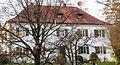 Ergolding-Oberglaim Haus Nr 56 - Pfarrhaus-Stadel 2013.jpg