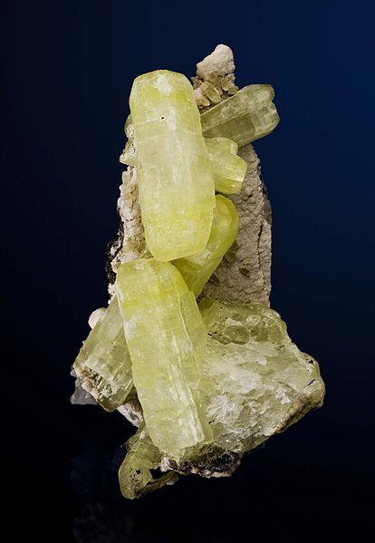 File:Ettringite-Hausmannite-Oyelite-Ettringite-Kalahari-Namibia-90mm 0610.jpg