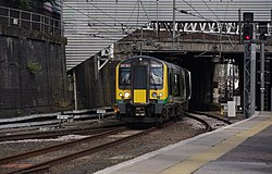 Euston station MMB A4 350263.jpg