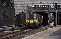 Euston station MMB A4 350263.jpg