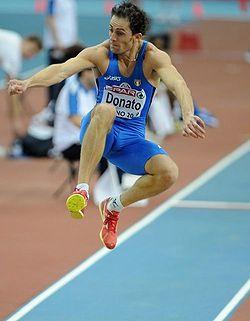 Fabrizio Donato mentre salta