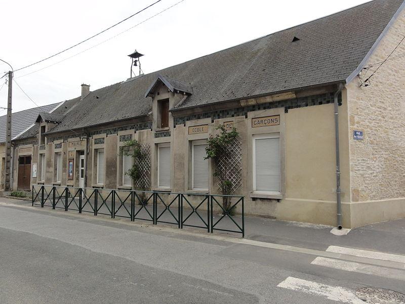 Festieux (Aisne) ancienne mairie, écoles