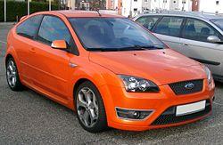 Ford Focus ST de segunda generación con carrocería hatchback de tres puertas.
