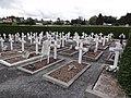 Fourmies (Nord, Fr) extension cimetière communal tombes françaises.jpg