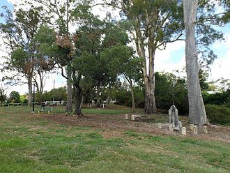 Corinda, Queensland - Francis Lookout graves, 2014