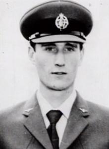 Таинственное исчезновение  22-летнего летчика Фредерика Валентича и его послание землянам 220px-Frederick_Valentich