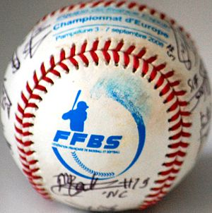 English: Baseball balls signed by the French b...