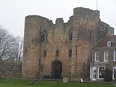 Gate House, Tonbridge Castle - geograph.org.uk - 771733.jpg