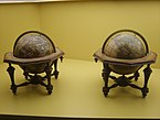 Globes_in_the_Globenmuseum_3.jpg