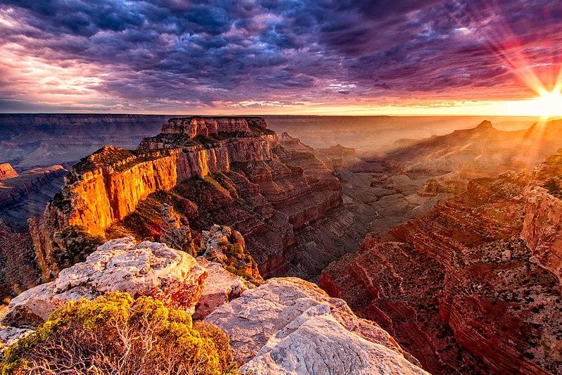 800px Grand Canyon sun set