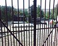 Grille du cimetière.jpg