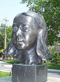 Gwendolyn MacEwen sculpture, Gwendolyn MacEwen Park..jpg