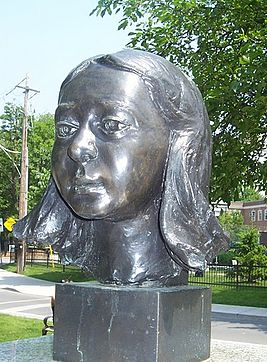 Gwendolyn MacEwen sculpture, Gwendolyn MacEwen Park..jpg