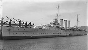 HMAS Canberra (D33) - Image: HMAS Canberra 1 2 100605