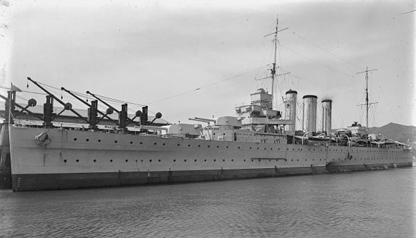 Canberra at Kings Wharf, Wellington, New Zealand, ca. 1930s - HMAS Canberra (D33)