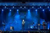 Haim - Ilosaarirock 2014 2.jpg