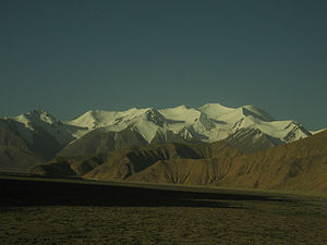 Tanggula Mountains - Tanggula Mountains viewed from Qinghai.