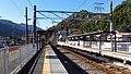 Hakone-tozan-railway-OH50-Iriuda-station-platform-20171230-101520.jpg