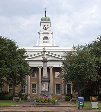 Hale County, Alabama - Image: Hale County Courthouse 001