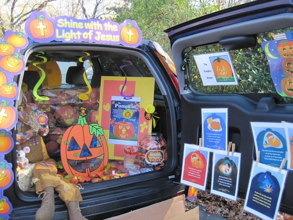 Halloween Trunk-or-Treat