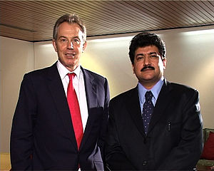 English: Hamid Mir with the Prime Minister of ...