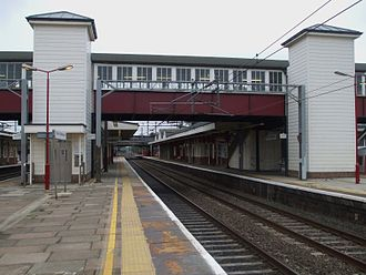 Harrow and Wealdstone rail crash - The location of the disaster. The fast WCML platforms 4 and 3, looking south in 2008.